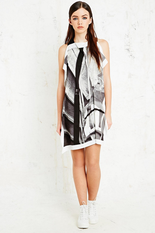 Stairs Print Dress in Monochrome