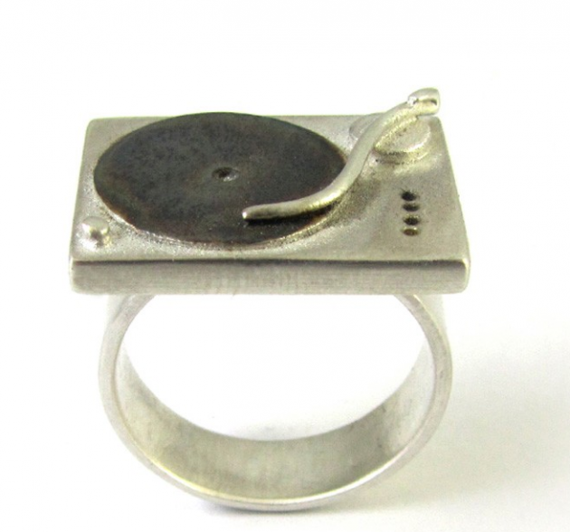 CHIEF COUGAR'S 1210S TURNTABLE RING