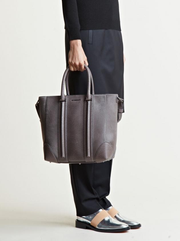 GIVENCHY CALF LUCREZIA SHOPPING BAG