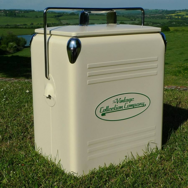 Retro Cooler Box