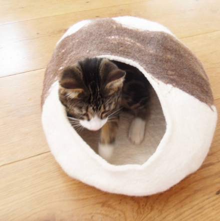 Natural Cat Bed Cocoon