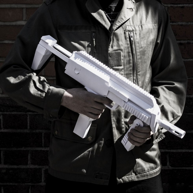 PAPER SUBMACHINE GUN
