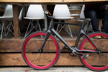VANHAWKS VALOUR SMART CARBON BIKE