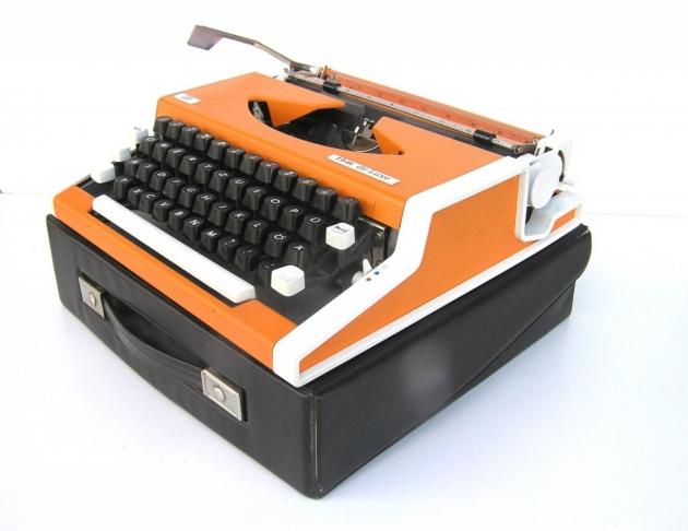 Orange Typewriter Unis TBM de Luxe