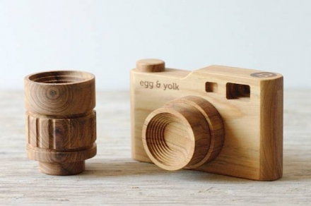 Wooden toy camera – With interchangeable lenses