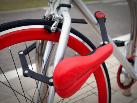 SEATYLOCK- Bicycle Saddle & Lock in One