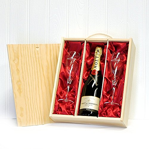 750ml Moet et Chandon Champagne with 2 x Moet Branded Champagne Flutes in a Wooden Presentation Gift