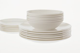 Maxwell & Williams Cashmere Bone China Coupe 12 piece Dinner Set