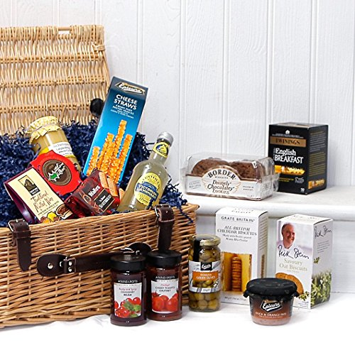 The Gourmet Greetings Luxury Wicker Christmas Gift Hamper Basket with 14 Items from Fine Food Store