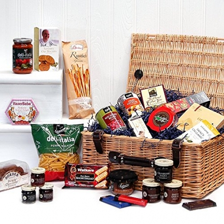 Luxury Traditional Wicker Hamper with 25 Gourmet Food Items – Valentines, Mothers, Fathers Day, Chri