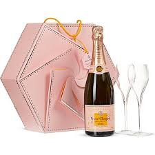 VEUVE CLICQUOT 75CL ROSE COUTURE GIFT WITH CHAMPAGNE FLUTES