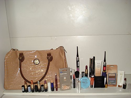 MAKE UP ITEMS X 25 LOT GIFT BOXED + GUY D'ARLEY WEEKEND BAG ~ 1 X UNE NATURAL BEAUTY HEALTHY-GLOW EN