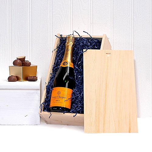 Veuve Clicquot Champagne with the Finest Handmade Belgian Chocolates in a Gift Box – Luxury 18th 21s